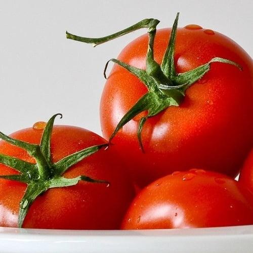 tomate e skincare